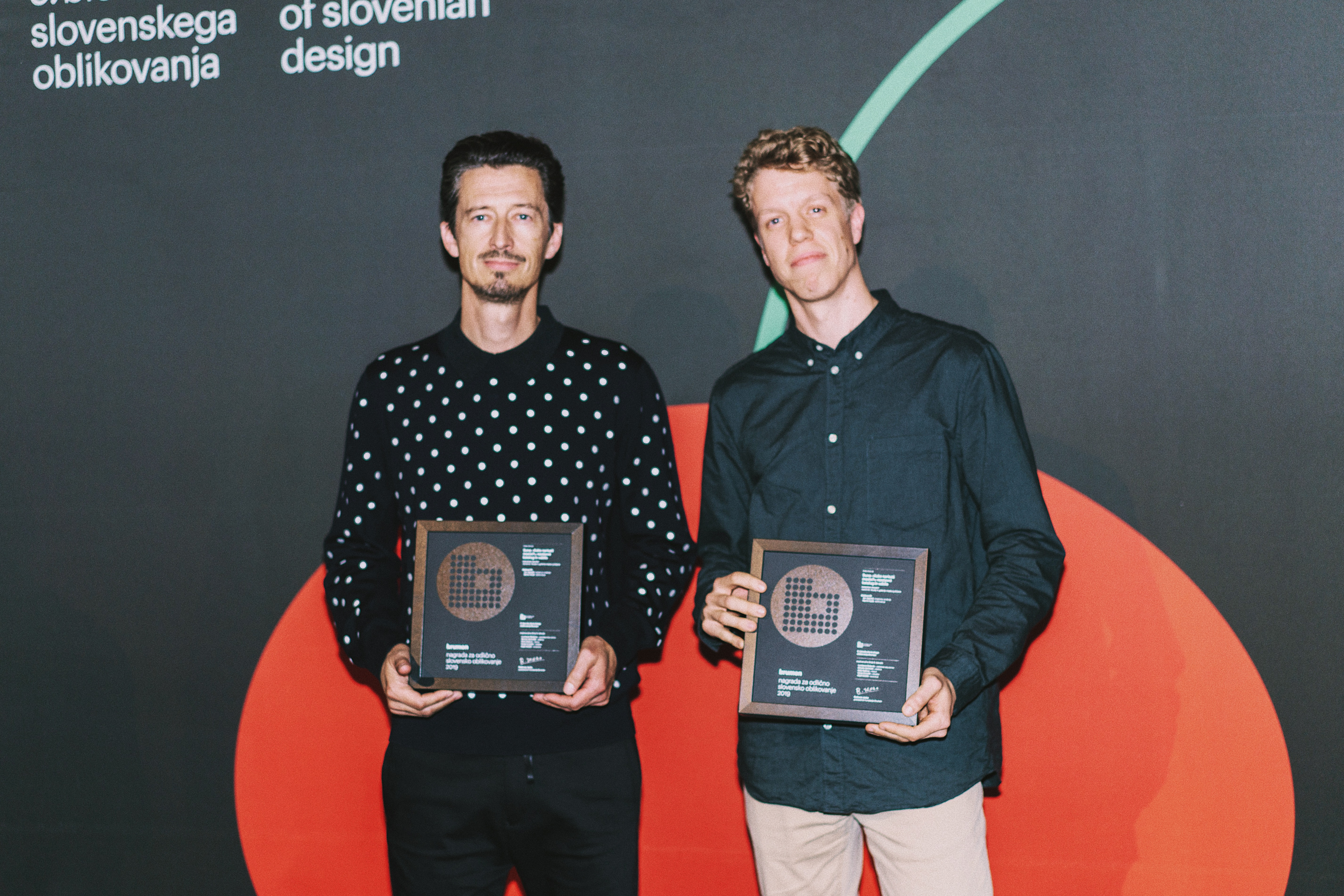 The Kabinet 01 designer duo: Jan Jagodič and Martin Košir with the Brumen Award